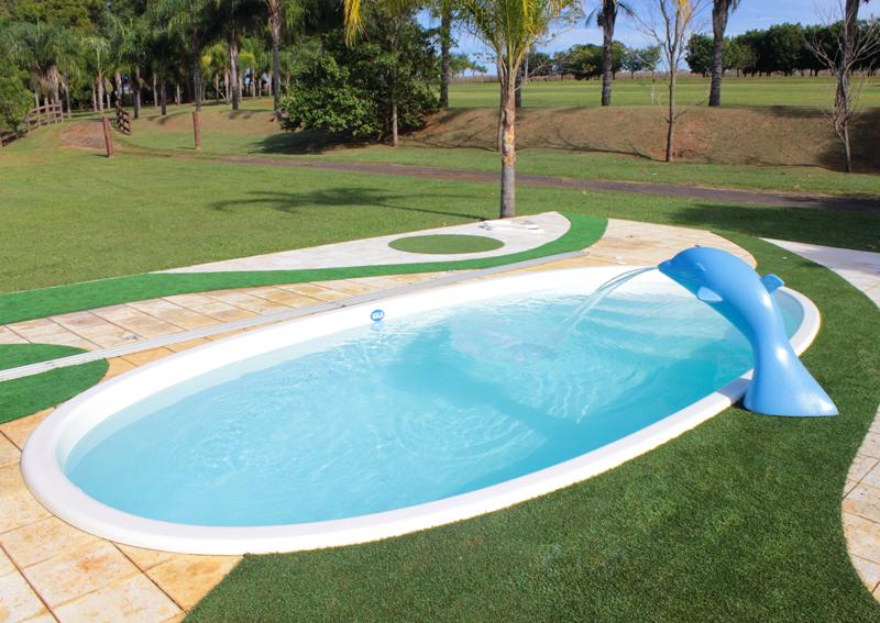 cascata golfinho flipper diversão lazer piscina brincadeiras fiji branca grama artificial e piso atermico