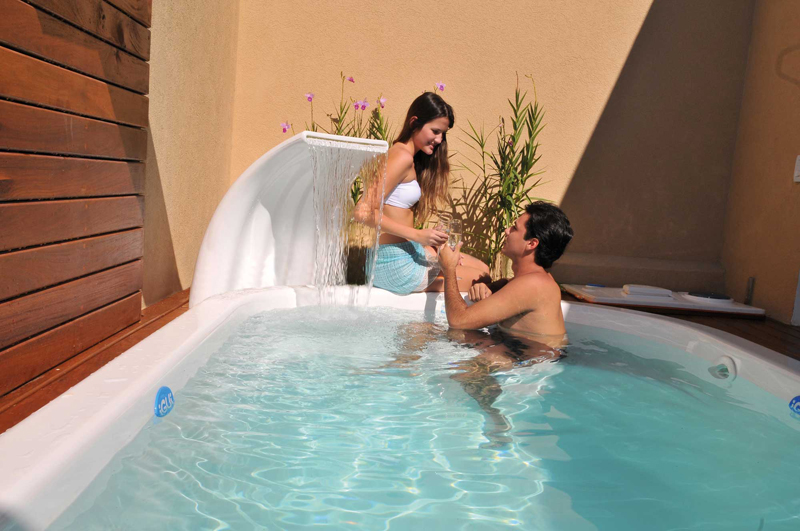 Cascada Onda diversion y ocio piscina hijos