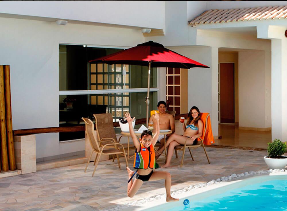 Conjunto Arena lazer jardim moveis piscina farol da barra branca base edrn ombrelone sombreiro