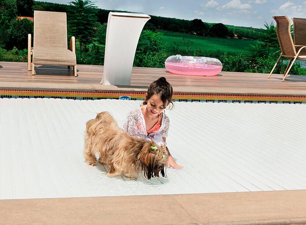 Cobertura Retratil Automática Levita piscina economia segurança aquecimento