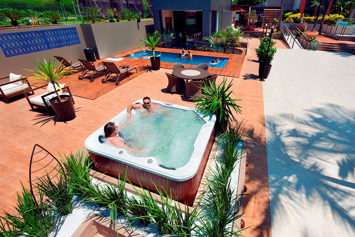 SPA Luxo iGUi com cinco lugares