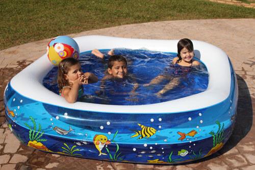Piscina de Vinil Oceano com crianças